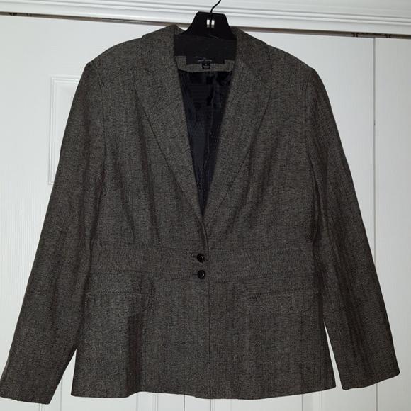 Signature by Larry Levine Jackets & Blazers - Tweed look black and brown blazer.